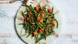 Blistered green beans with tomato almond pesto - Healthy thanksgiving meal